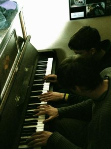 c_pianobackst